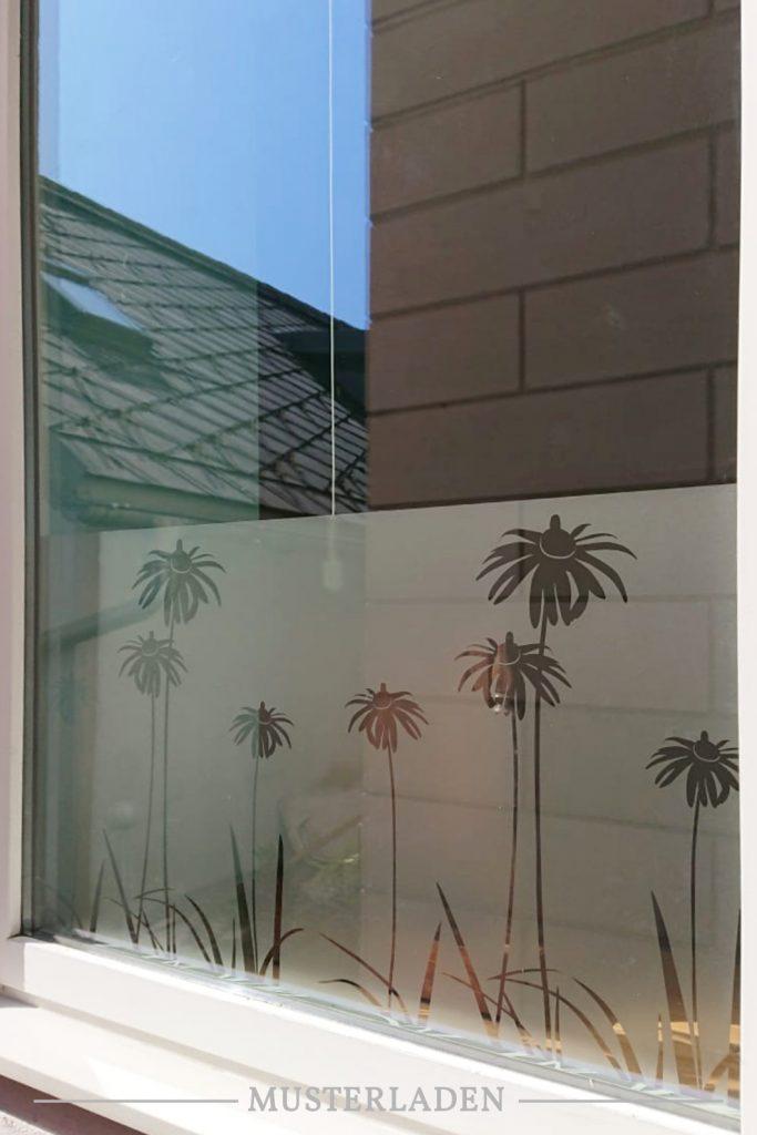 Dekorativer Sichtschutz für Fenster mit Folien- Musterladen